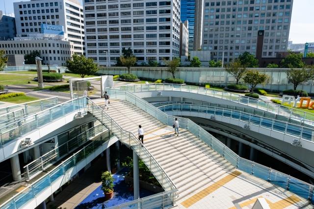 愛知県名古屋市 栄、オアシス21 地下へ続く階段