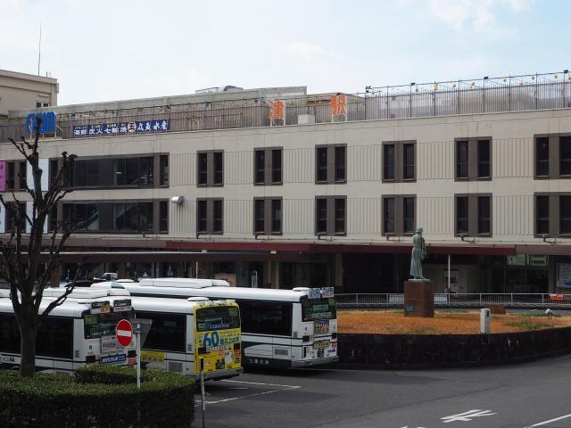 津駅(東口)